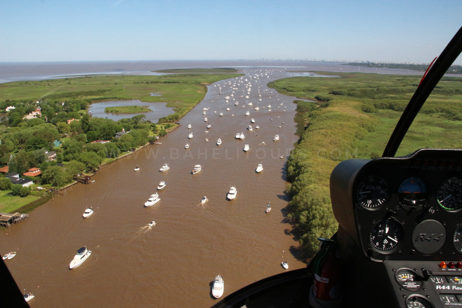 Helicopter tours over Buenos Aires